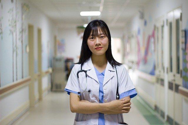 serwis do obsługi pacjenta, umawianie wizyt online, konsultacje z lekarzem online, platforma do obsługi pacjentów, platforma obsługująca pacjentów